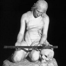 Bronze représentant Sainte Marie-Madeleine