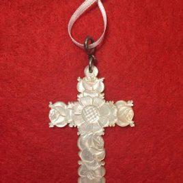 Croix en nacre